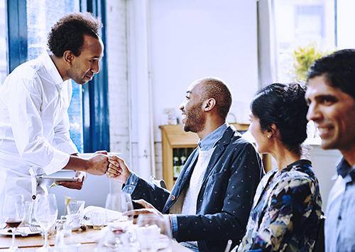 Cómo la interacción positiva con el cliente genera números positivos